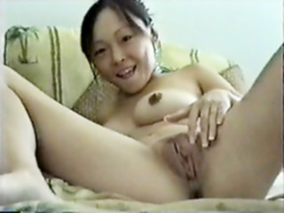 Petite Asian masturbates with comb amateur straight masturbation